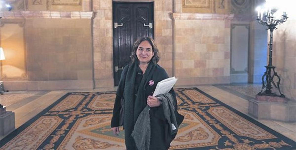 Ada Colau, después de su intervención en la comisión del Parlament sobre las cajas de ahorros.