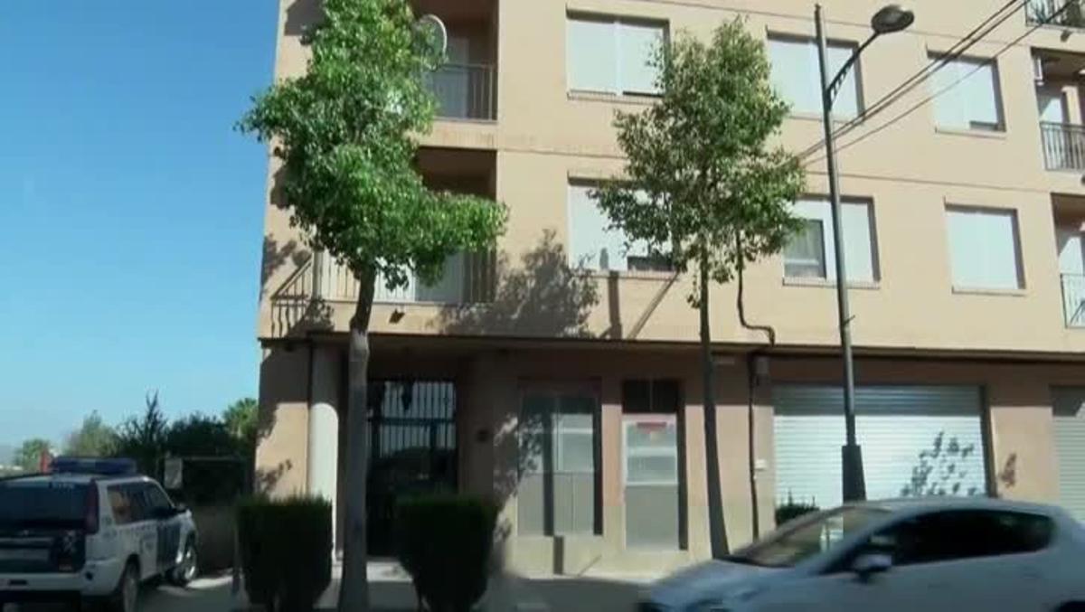 Un hombre mata a su hijo de 10 años antes de entregarlo a su madre en Murcia.