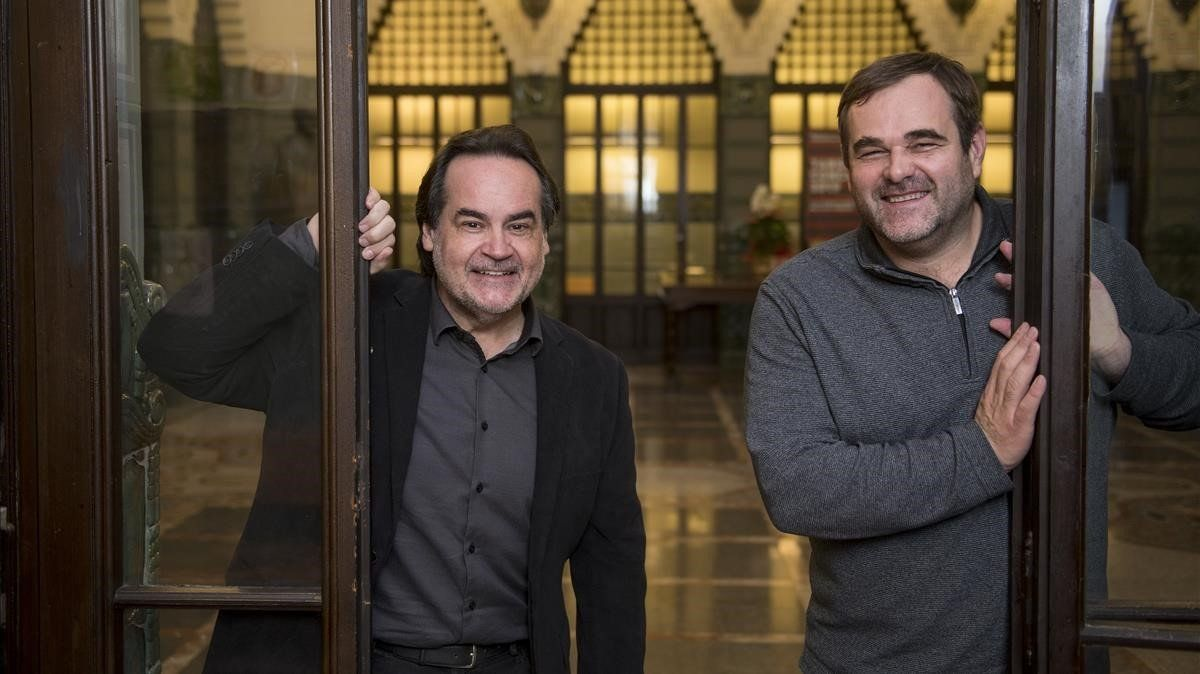 El tenor Josep Bros (izquierda) y el director de orquesta Josep Caballéen el conservatorio Bruc.
