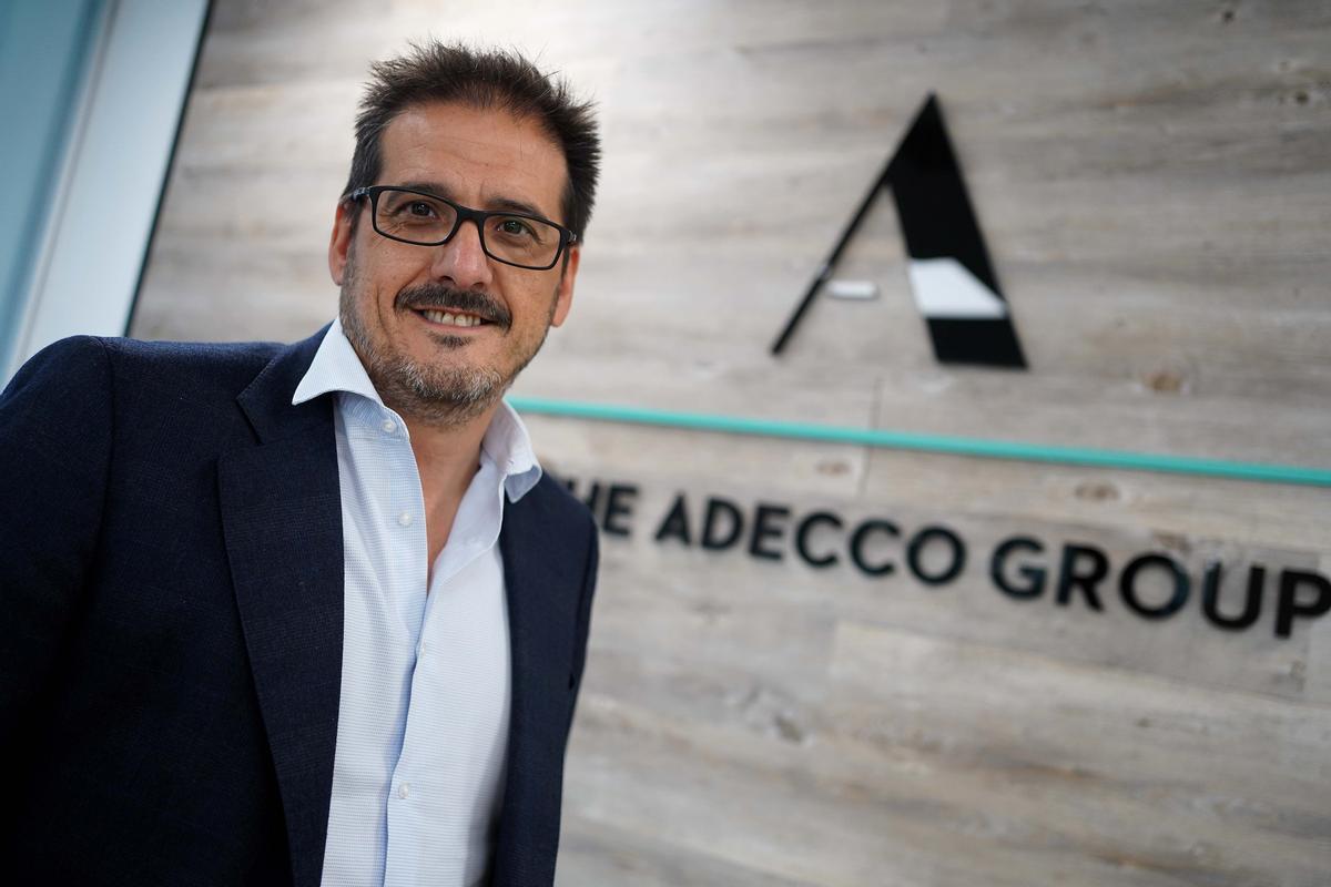 Íker Barricat (Adecco): «Les empreses van amb cautela en els contractes d'aquesta campanya d'estiu»