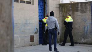 En el transcurso de esta operación se están realizando una quincena de entradas y registros en Barcelona y su área metropolitana.