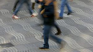 El pavimento de la Rambla en forma de olas que será sustituido.