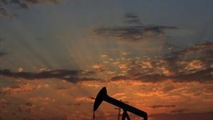Pozo de petróleo en Sakhir (Baréin).