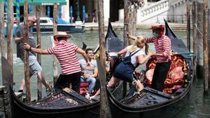 Itàlia estudia implantar el passaport Covid en restaurants i, a partir del setembre, en el transport