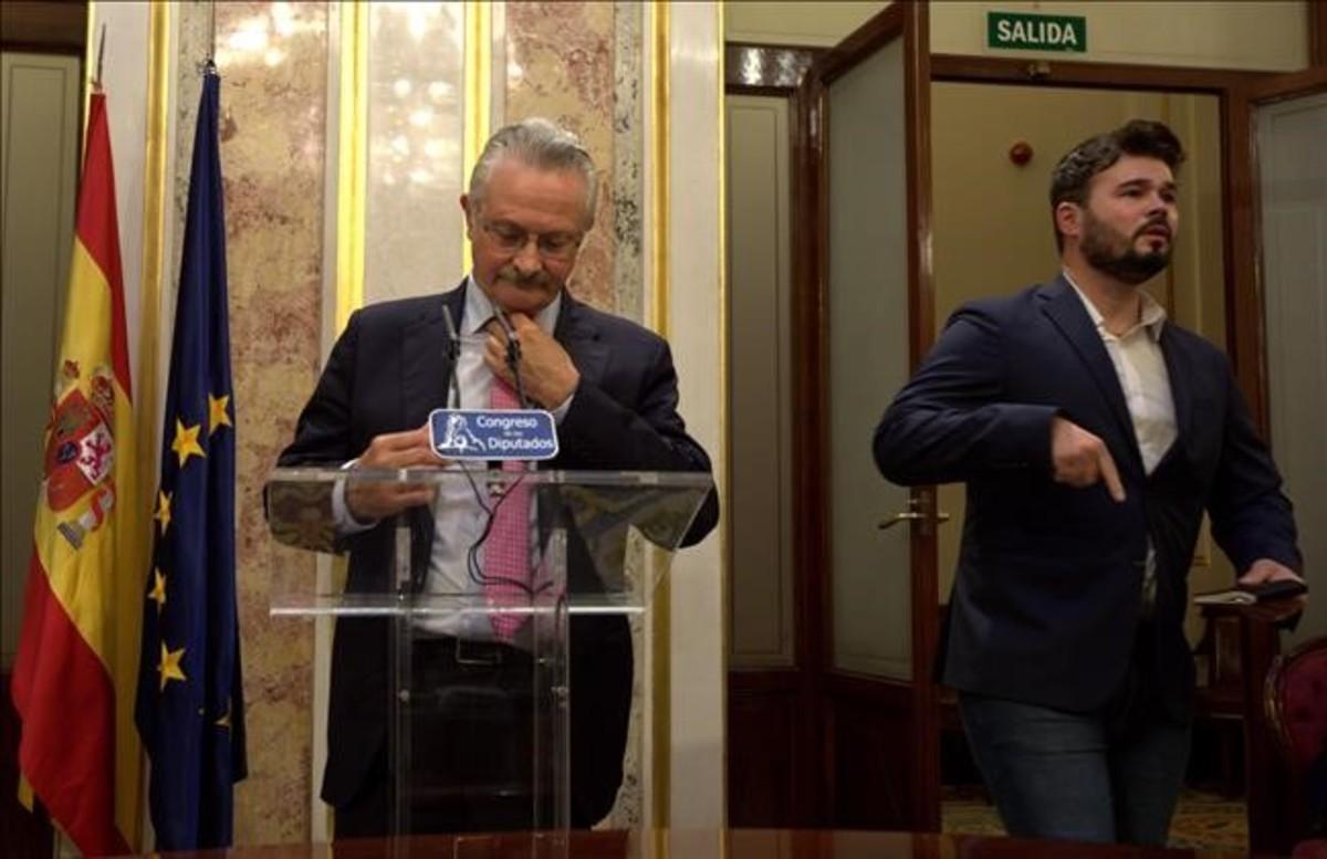 Antonio Trevín,junto a Gabriel Rufián, en el Congreso de los Diputados.