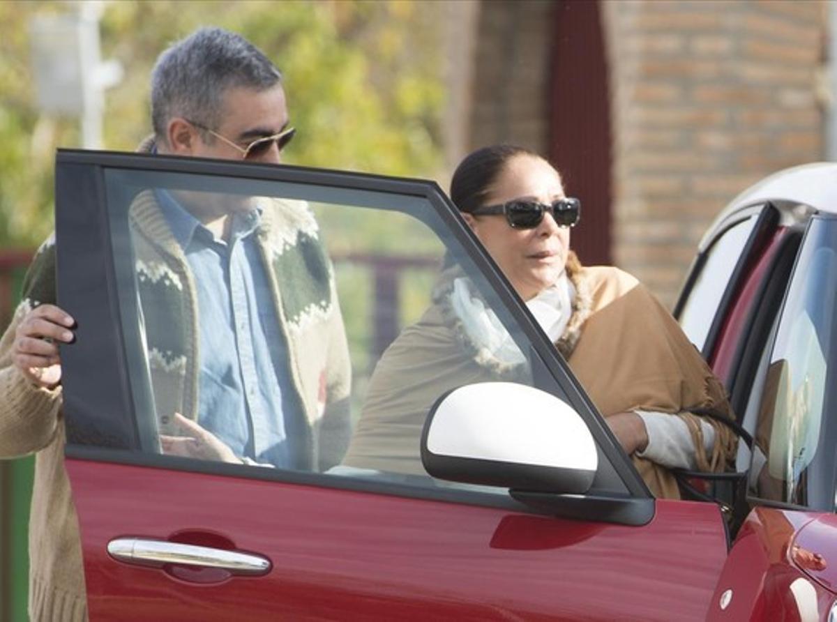 Isabel Pantoja abandona este lunes la cárcel de Alcalá de Guadaíra, en compañía de su hermano Agustín.