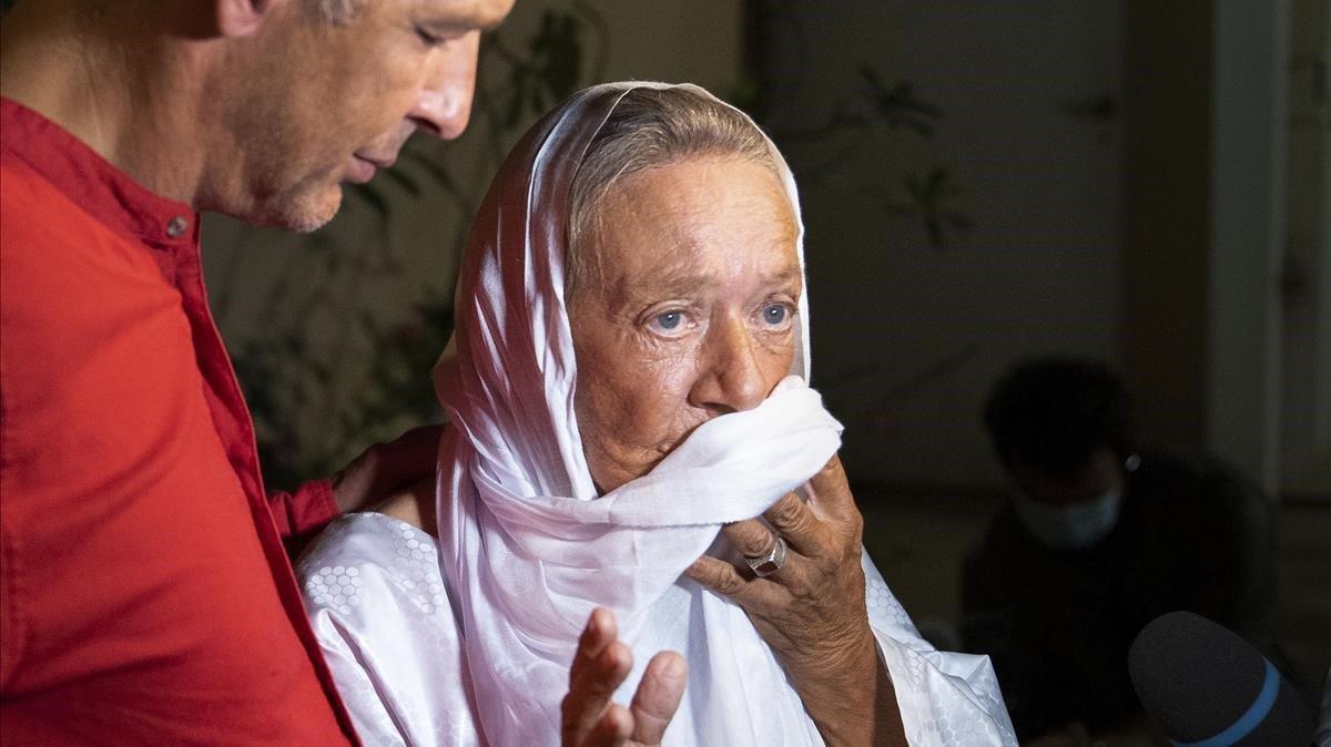 Macron rep l'ostatge francesa de 75 anys alliberada a Mali