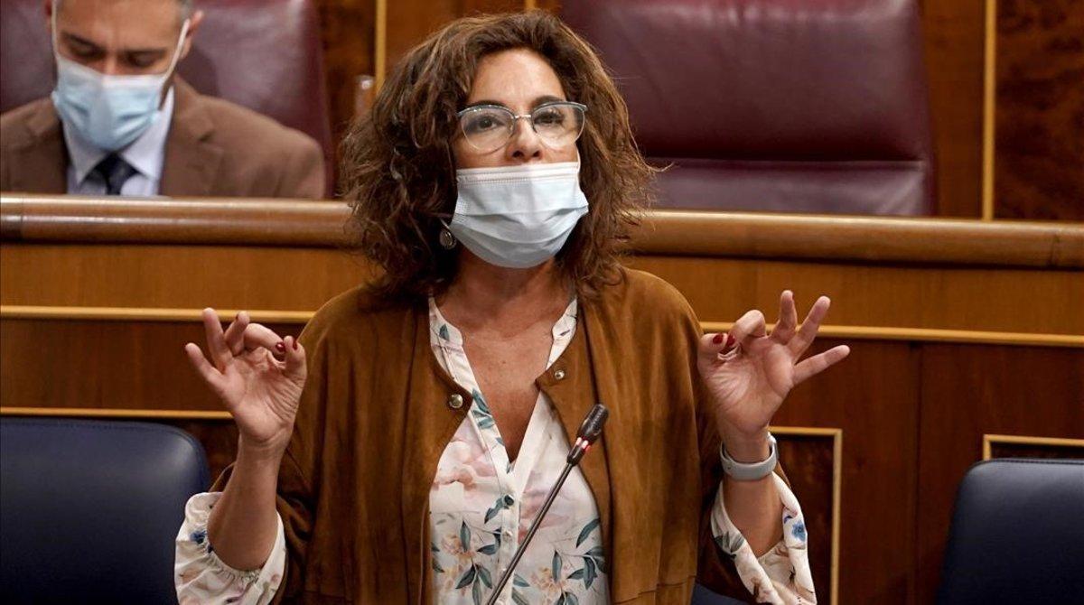 La ministra de Hacienda, María Jesús Montero,en el Congreso de los Diputados.