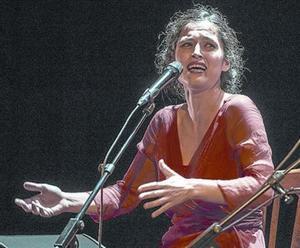 Sílvia Pérez Cruz, una de les artistes que col·laboren en l'espectacle.