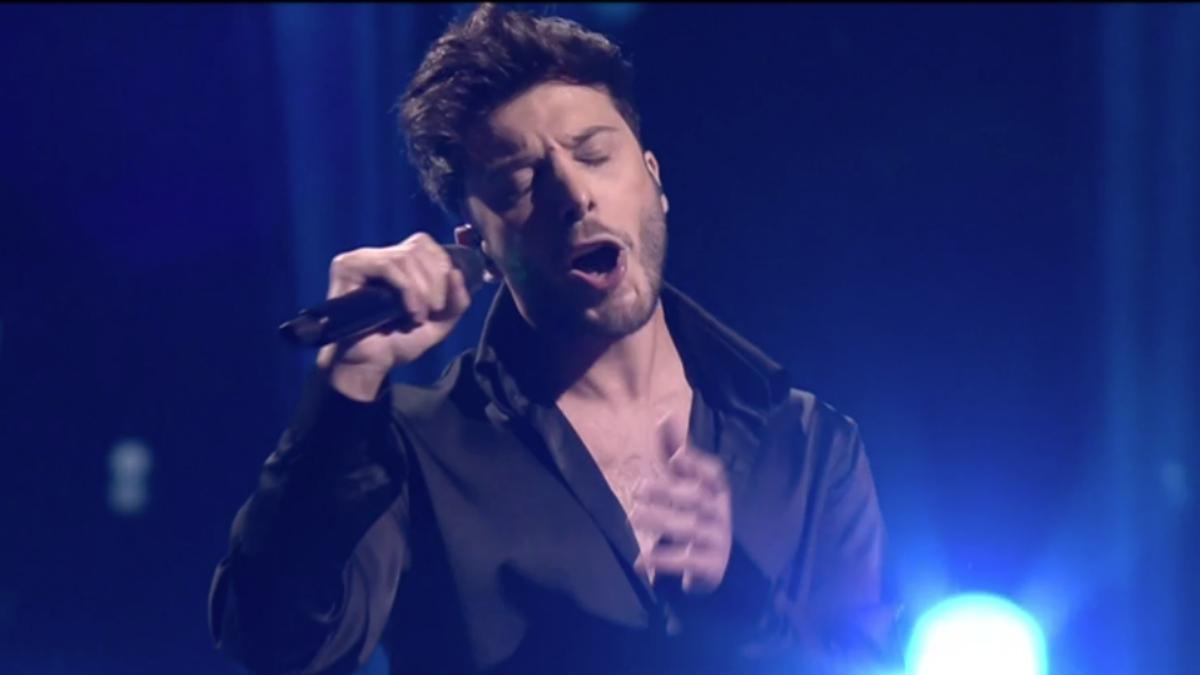 Blas Cantó durante su actuación en la gran final de Eurovisión 2021