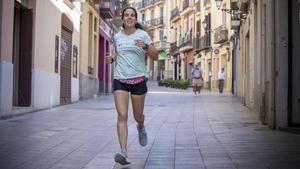 Arantxa Suau, corriendo porMajor de Sarrià, una de las calles desu itinerario, el pasado 27 de julio.