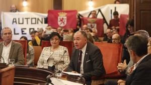 El pleno del Ayuntamiento de León aprueba la moción a favor de la Región Leonesa