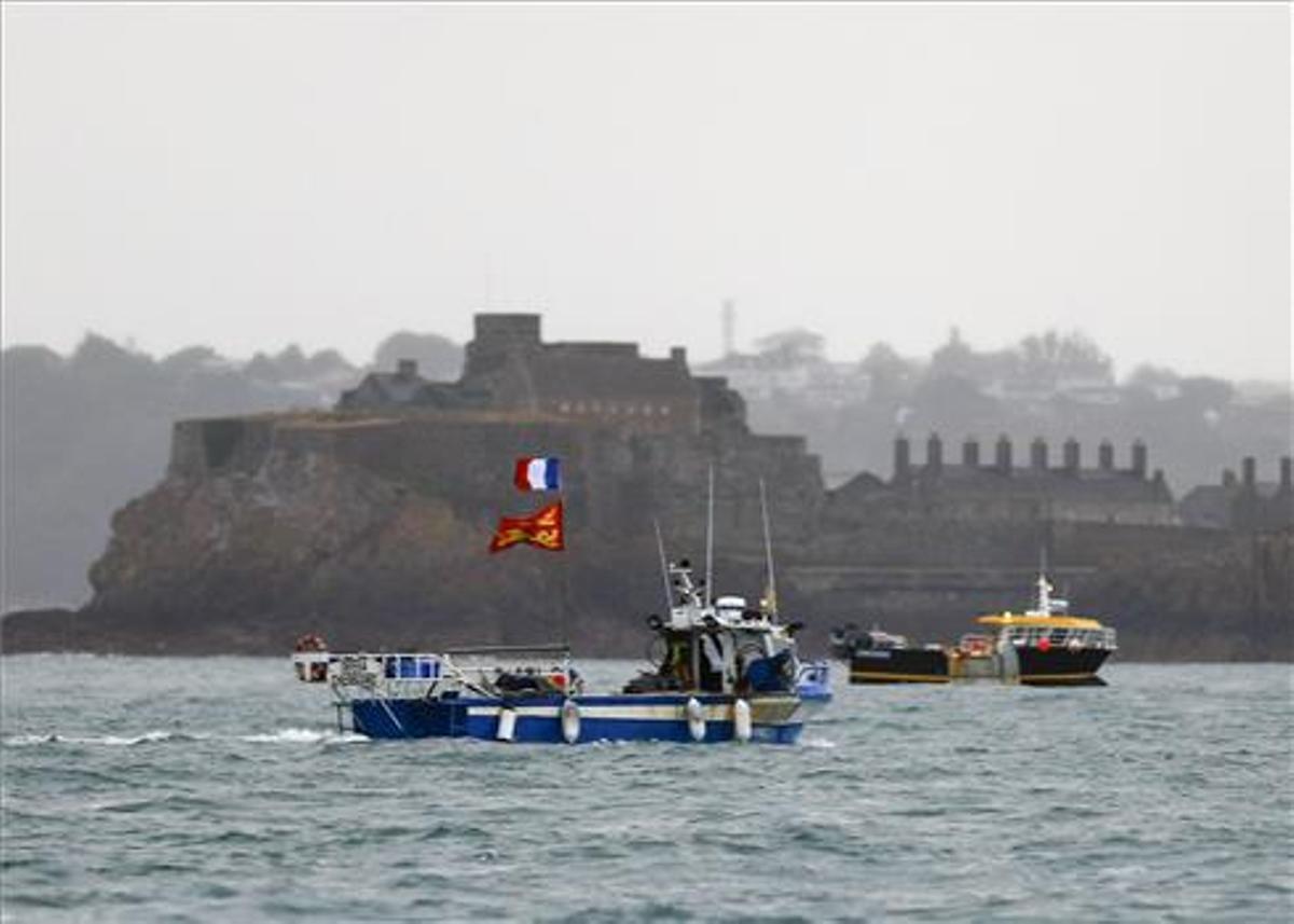 França avisa que no cedirà davant el Regne Unit per la pesca