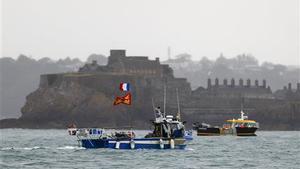 Los pesqueros franceses han impedido la salida de las embarcaciones del puerto de Jersey.