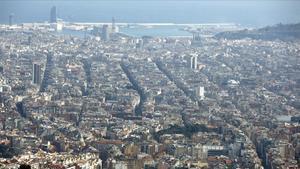 Barcelona 26 02 2013 Panoramica de Barcelona desde el parque de atracciones del Tibidabo Foto Josep Garcia