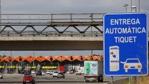 Uno de los puntos de pago con peaje en una autopista de Catalunya.
