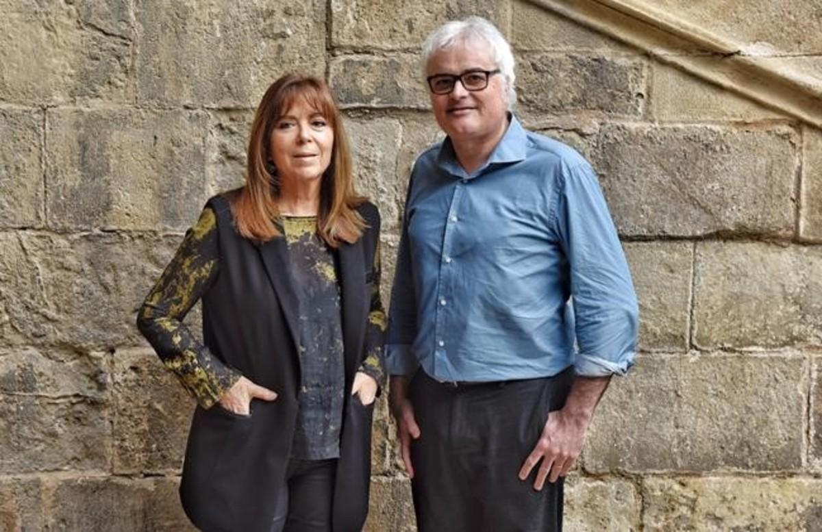 Maria del Mar Bonet y Jordi Bianciotto, antes de presentar el libro 'Maria del Mar Bonet, intensament'.