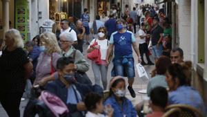 Ambiente en la calle del Pecat de Sitges, en el momento en que se ha anunciado el fin del grueso de las restricciones.