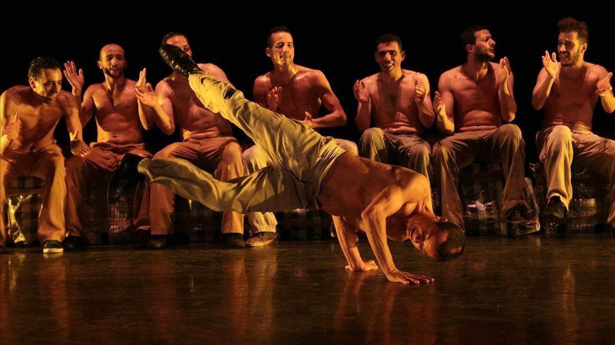 Imagen del espectáculo de Kader Attou en el Grec.
