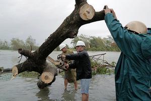 Las provincias afectadas por el tifón llevan un mes sufriendo el azote constante de tres temporales consecutivos.
