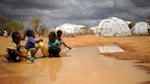 La justícia de Kenya revoca el tancament del camp de refugiats més gran del món