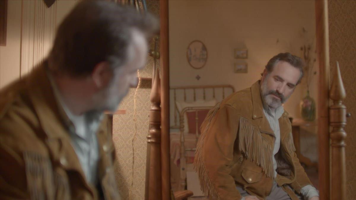 Fotograma de 'La chaqueta de piel de ciervo'.