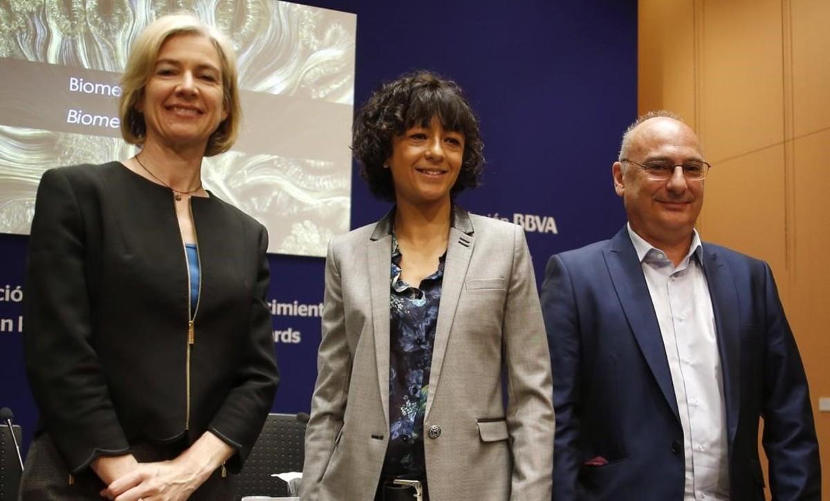 Los investigadores Jennifer Doudna,Emmanuelle Charpentier y Francisco Martinez Mojica, galardonados con los premiosFundacion BBVA Fronteras del Conocimiento de este añopor el desarrollo de la tecnología CRISP de edición genética.