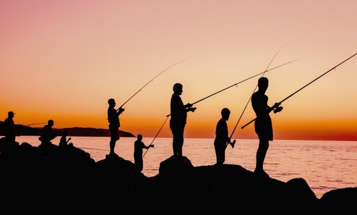 """Restricciones por el covid-19: """"¿Qué daño hace una persona pescando por la noche?"""""""