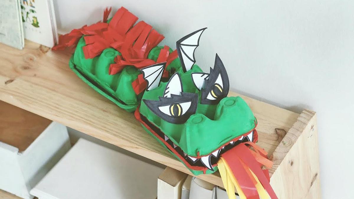 Dragón de cartón