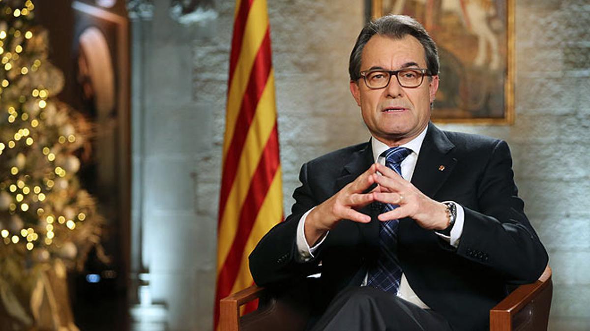 El 'president'Artur Mas se dirige a los catalanes en su mensaje institucional de fin de año.
