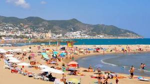 Imagen de archivo de la playa de la Barra de Sitges.