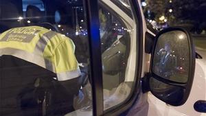 Imagen de archivo de un control de drogas de la Guardia Urbana de Barcelona.