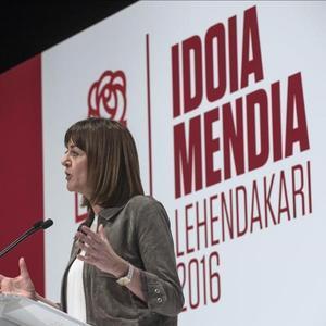 Idoia Mendia, secretaria general de los socialistas vascos, acusa al PNV de seguir una estrategia de ruptura entre vascos, como en Catalunya.
