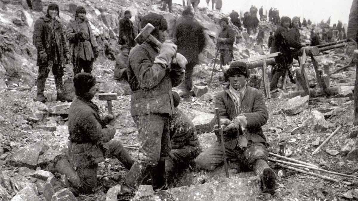 Del exilio republicano al Gulag de Stalin