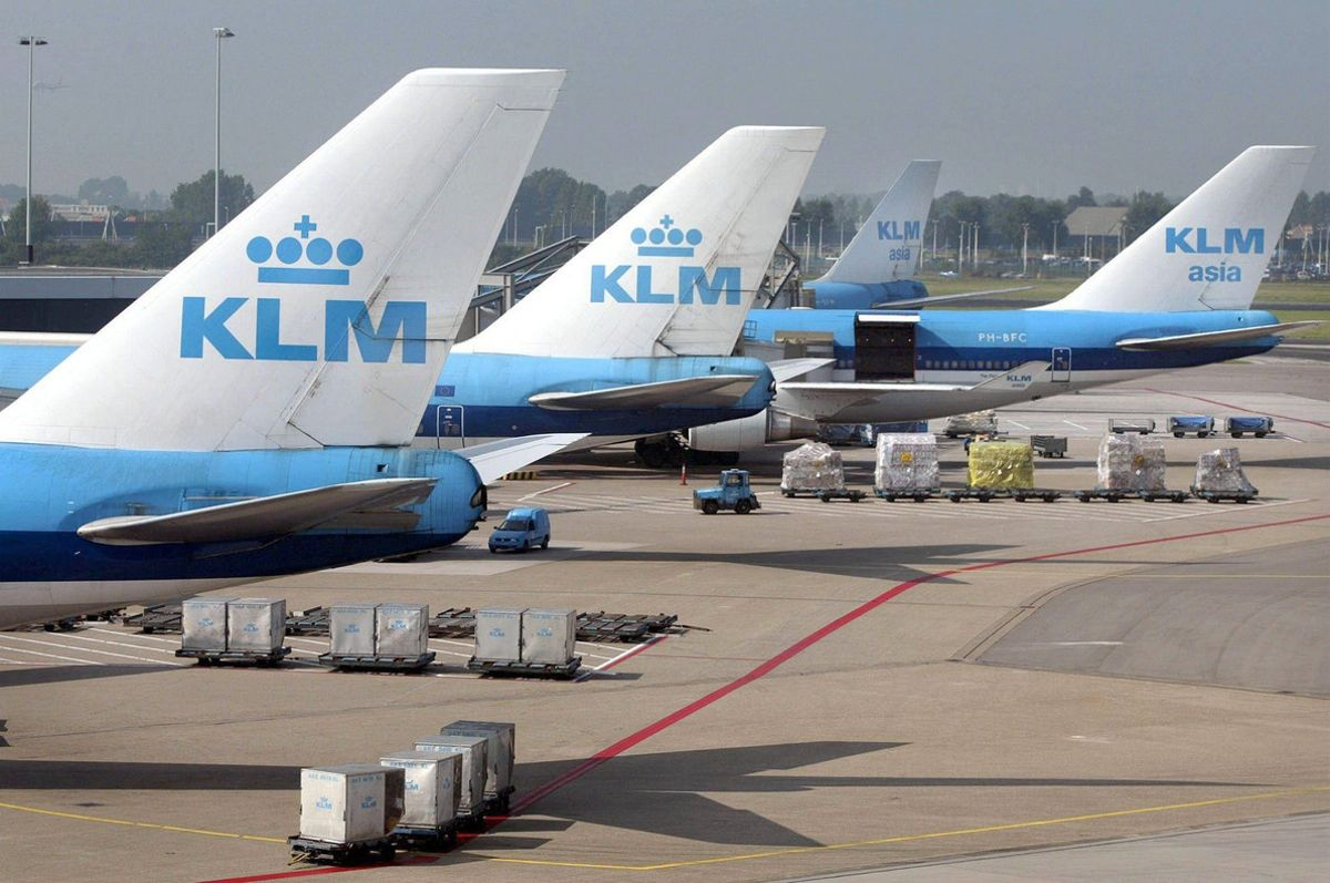 Undated file picture of KLM jets at airport Schiphol. Air France and Dutch carrier KLM are merging to create the world's largest airline in terms of turnover, both companies announced Tuesday 30 September 2003. The merger will be carried out through an exchange of shares, with Air France and the French state owning 81 percent of the new entity, called Air France-KLM, and the Dutch carrier owning the remaining 19 percent. EFE/epa/ANP FILES/Toussaint Kluiters//
