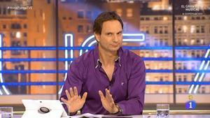 El locutor Javier Cádenas, presentador de 'Levántate Cárdenas' en Europa FM.