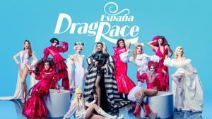 Las concursantes de 'Drag race España', con la presentadora, Supremme de Luxe (centro).