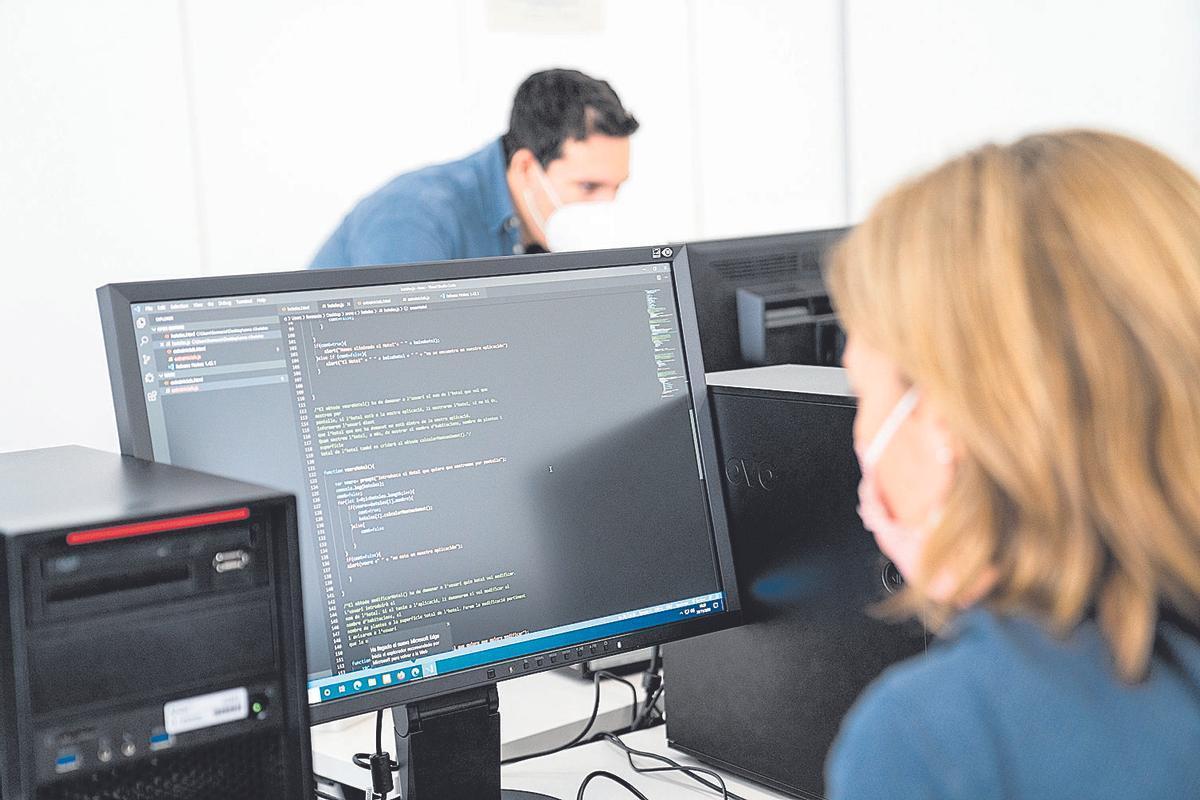 Las mujeres quieren entrar en el sector TIC