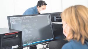Les dones volen entrar al sector TIC