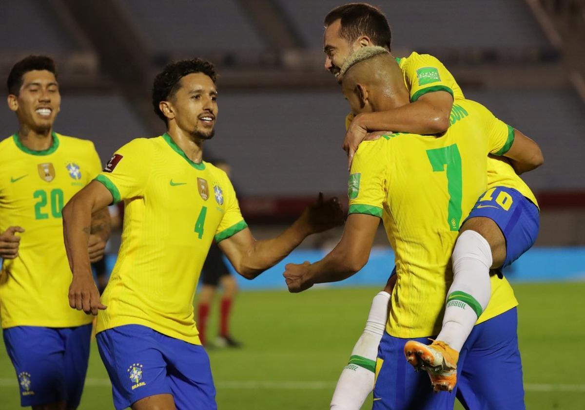 Brasil continúa liderando las eliminatorias sudamericanas.