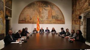 Govern, PSC y 'comuns' solo acuerdan volverse a reunir