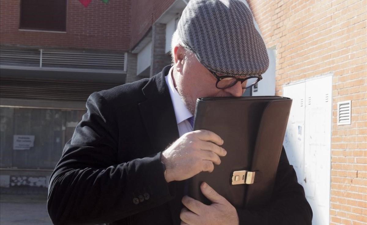 José Manuel Villarejo, tras declarar en el juzgado de Estepona, en el 2016.