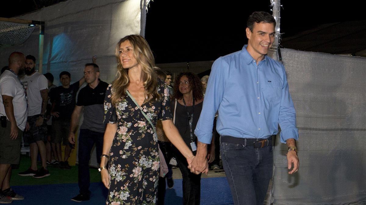 El presidente del Gobierno, Pedro Sánchez, y su esposa, Begoña Gómez, en el festival de Benicàssim, en Castellón, el pasado julio.