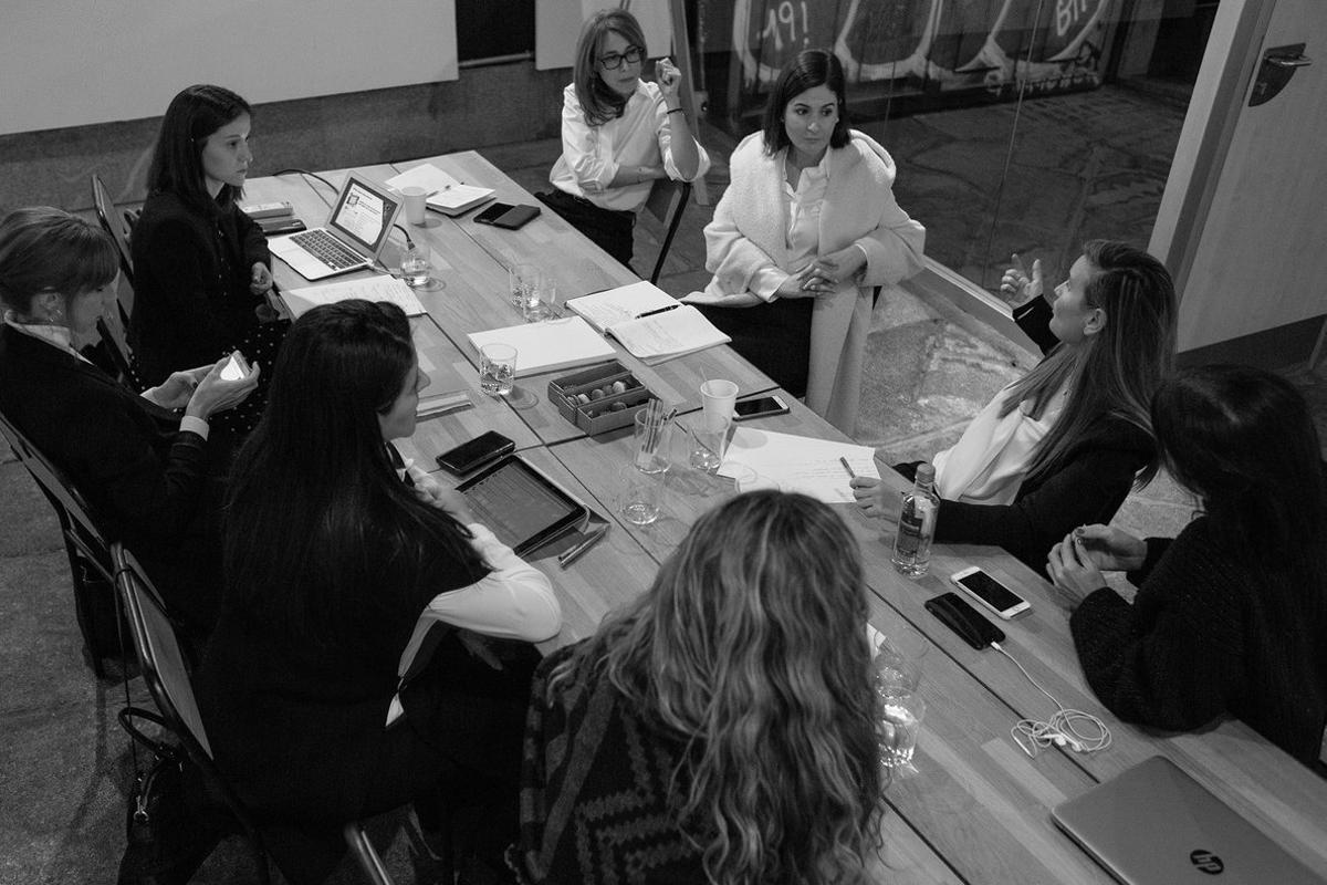 Imagen de un encuentro de las integrantes de Women In Tech