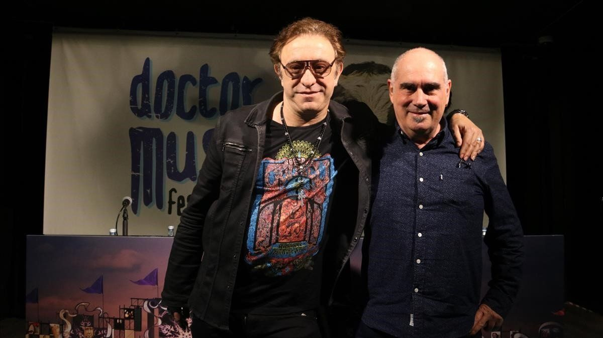 Neo Sala (izquierda) y Jordi Mora, coordinador de operaciones del Doctor Music Festival, en el anuncio del traslado de la cita a Montmeló, el pasado 2 de abril.