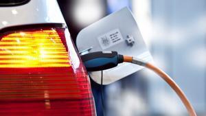 En Noruega se vendieron más coches eléctricos que de combustión en 2020