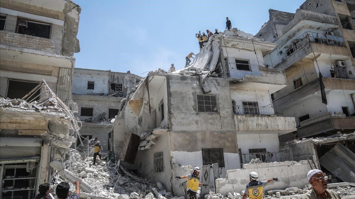 La provincia de Idlib ha sido arrasada por los bombardeos de aviones del régimen de Damasco y de Rusia.