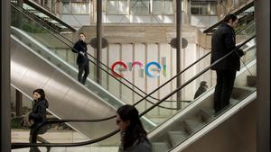 Enel lanza una OPA parcial de 1.200 millones por hasta el 10% de Enel Américas