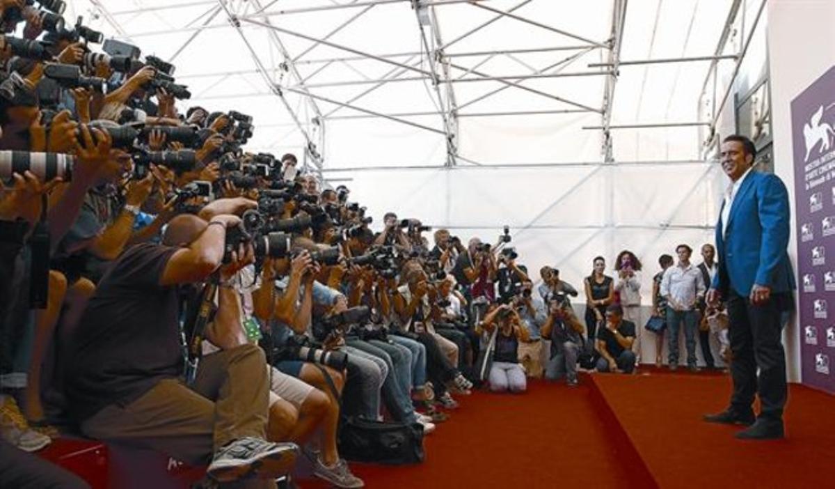 Nicolas Cage, ante los fotógrafos, tras presentar 'Joe' en Venecia, ayer.