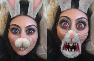 Kim Kardashian juga amb filtres Snapchat i suggeriments de Scott Disick.
